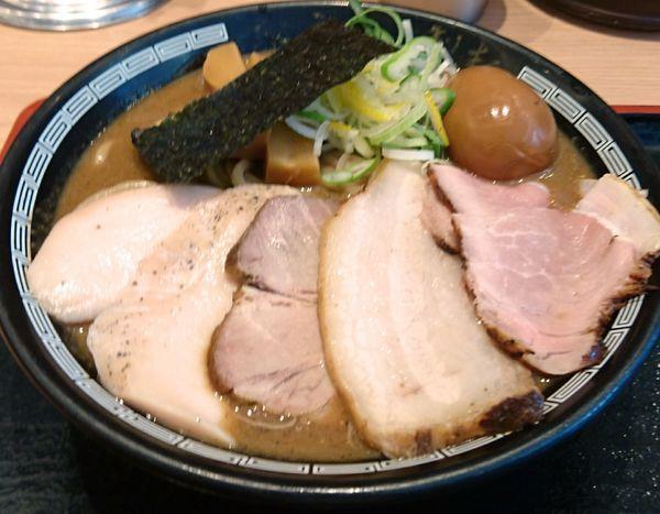 「濃厚チャーシューそば & 半熟玉子」@松戸富田製麺 ららぽーとTOKYO-BAY店の写真