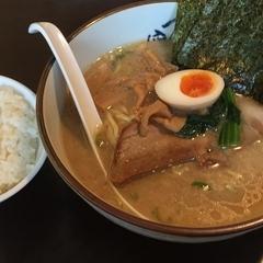横濱家 新羽店の写真