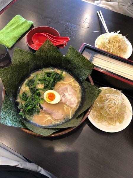 「醤油とんこつ ネギラーメン中盛り」@横浜家系ラーメン 並木家の写真