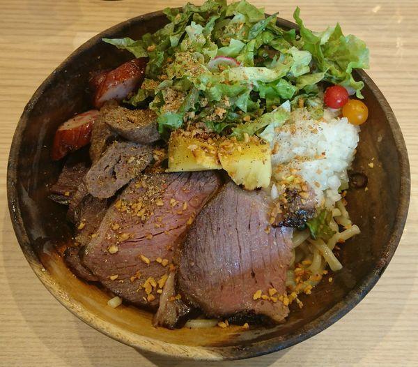 「classic beef palette(麺大盛)」@Handicraft Worksの写真