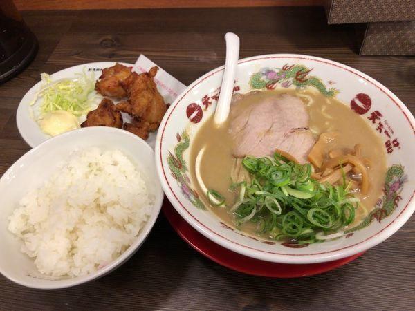 「鶏の唐揚げ定食 1050円」@天下一品 上野アメ横店の写真