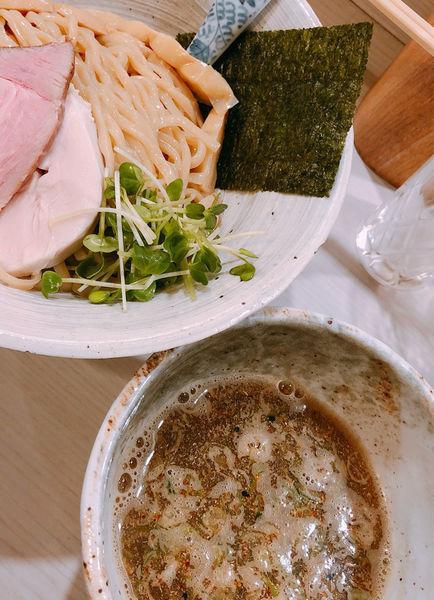 「つけそば 880円+鴨チャーシュー+日本酒×2」@麺処 きなりの写真