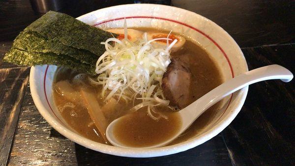 「細麺らあめん+味玉+ライス(780円+100円+100円)」@らあめん家  樹雅の写真