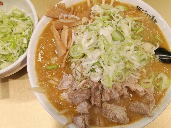 「ごっつカレーラーメン(薬味ネギ多め)」@超ごってり麺 ごっつ 亀戸本店の写真