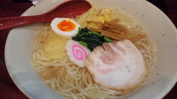 「塩エビワンタン麺」@光月軒の写真