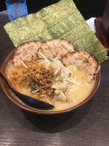 「江戸前味噌 炙りチャーシュー麺  大盛 1180円」@味噌屋庄助の写真