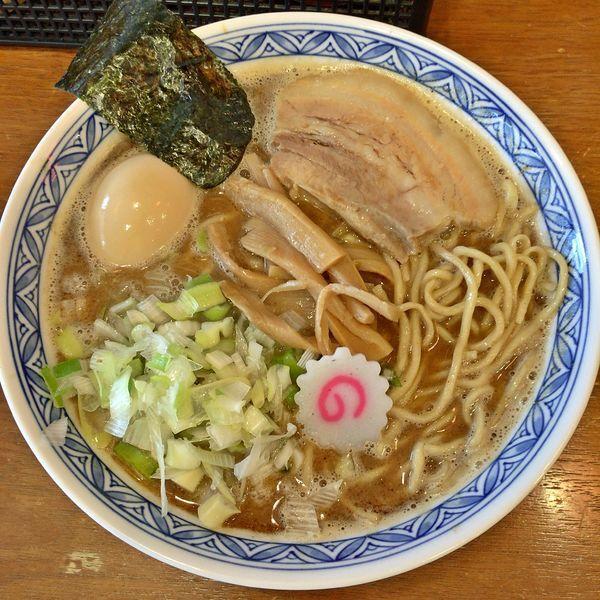 「醤油そば(味玉) ¥850」@つけめん 桜の如くの写真