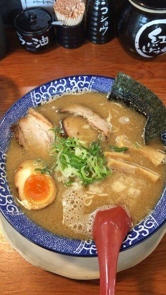 「煮干し豚骨」@博多ラーメン鶴亀堂 太田新井町店の写真