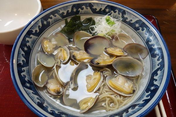 「【限定】塩竃産 黒あさり潮麺」@潮の音の写真