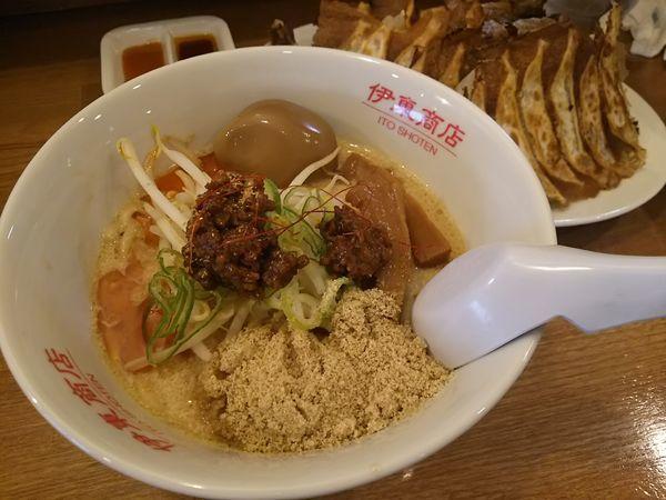 「担々麺 +煮卵 +餃子24ケ:誕生月サービス」@松本餃子食堂の写真