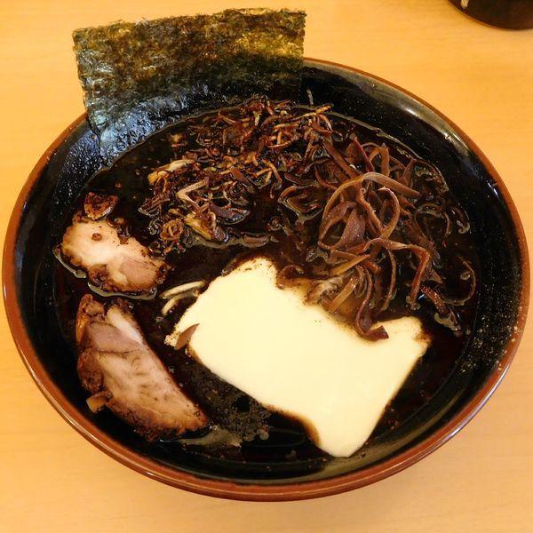 「黒らーめん(800円)」@らーめん梅吉の写真