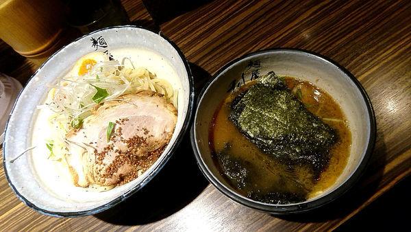 「『特製利休つけめん(¥1050)』を中盛で...」@麺屋 利休の写真