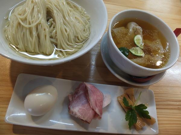 「特級白醤油つけ麺」@自家製麺 くろ松の写真