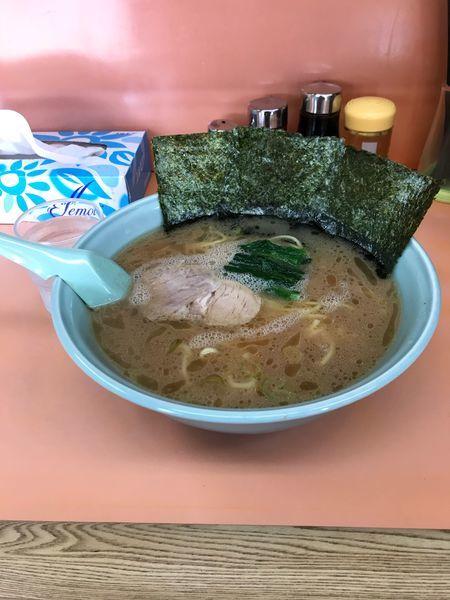 「中ラー 麺かため」@梅浜亭の写真