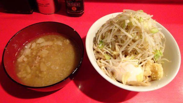 「小つけ麺(800円)+温泉玉子(100円)ニンニクアブラ」@ラーメン二郎 府中店の写真