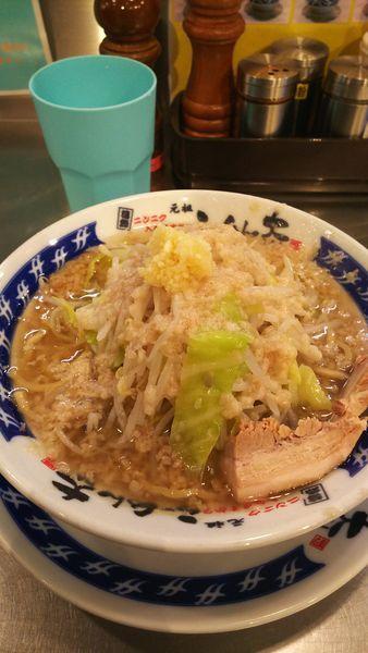 「ラーメン麺半分、アブラ増しニンニク少な目」@らーめん大 松戸店の写真