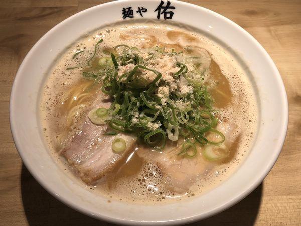 「鶏魚豚らーめん」@麺や 佑の写真