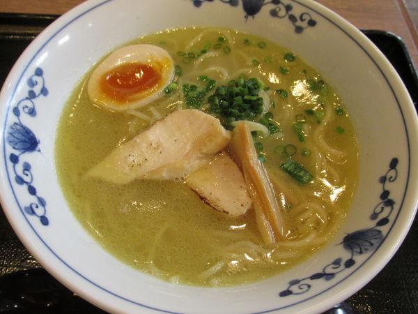 「伊達鶏の鶏白湯ラーメン 「900円」」@鶏五味 越谷レイクタウン店の写真