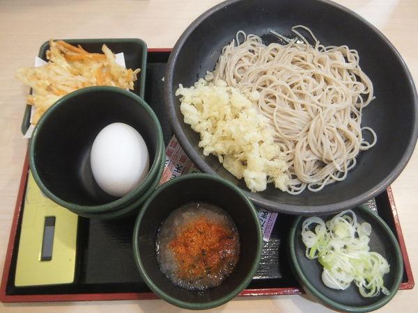 「朝そば(鬼おろし)330円・クーポンで生卵70円が無料」@ゆで太郎 淡路町店の写真