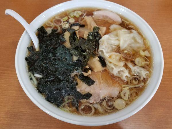 「チャーシューらぁめん[醤油]・大盛+ワンタン(1,300円)」@中川家の写真