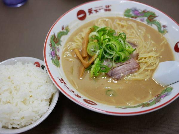 「サービス定食 大盛 麺硬め」@天下一品 錦糸町店の写真