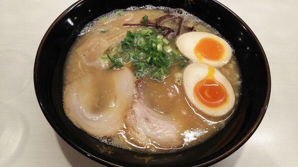 「味たまラーメン」@博多豚骨ラーメン わ蔵 高円寺店の写真