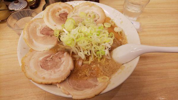 「チャーシュー麺+中盛」@らーめん かづの写真