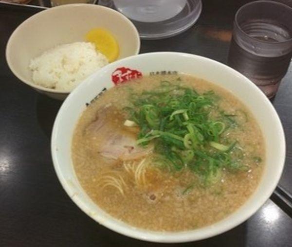 「ラーメン並+小ライス」@京都銀閣寺 ますたにラーメン 日本橋本店の写真