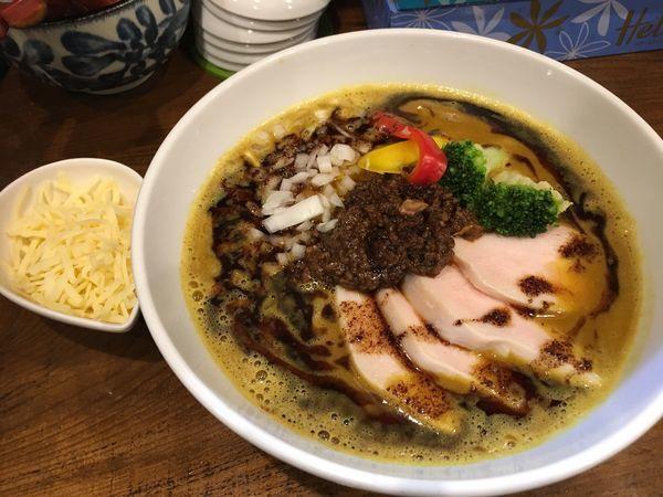 「限定 咖喱らぁめん+チーズ」@麺匠 ことぶきの写真