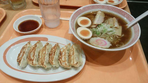 「とろ~り半熟煮卵らーめん餃子セット」@幸楽苑 島忠ホームズ川崎大師店の写真