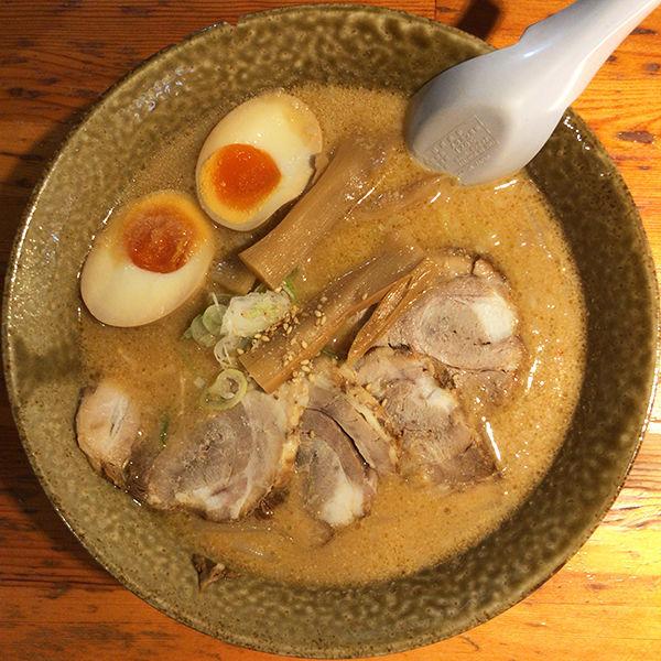 「濃厚味噌らーめん+味玉(ランチサービス)」@らーめん たつみ屋の写真
