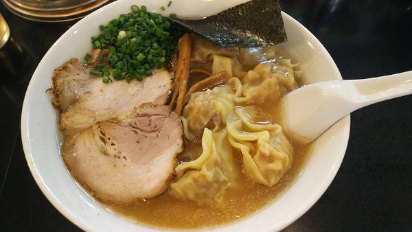 「雲呑麺  900円」@らーめん 茂木の写真