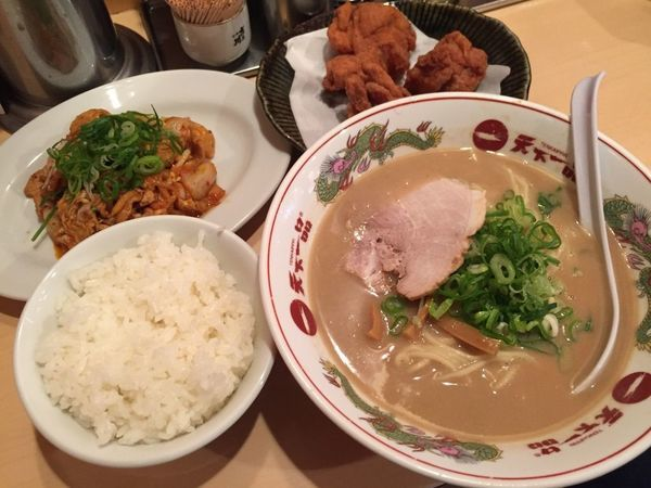 「CK(豚キムチ・唐揚げ)定食」@天下一品 六本木店の写真
