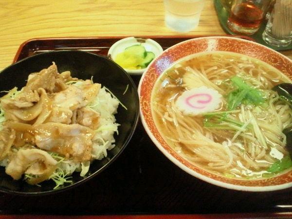 「生姜焼き丼とラーメン(Bランチ)700円」@マルイチ 神田軒の写真