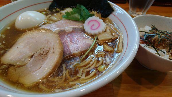 「特製中華そば+プチチャーシュー丼」@麺笑 コムギの夢の写真