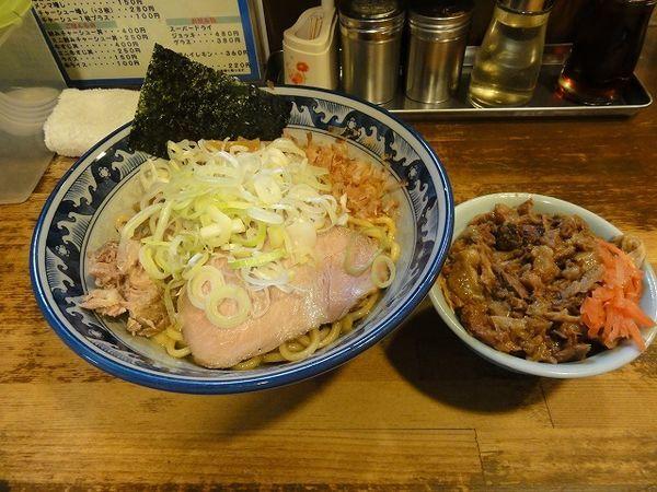 「油そば780円 牛スジ丼ミニ250円」@兎に角 松戸店の写真
