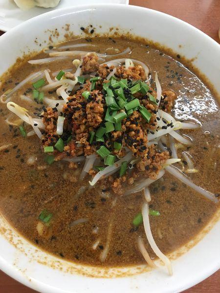 「黒胡麻担々麺+餃子」@金龍餃子房の写真