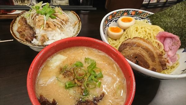 「つけ麺豪華盛り+チャーシュー丼」@味噌麺処 櫻の写真