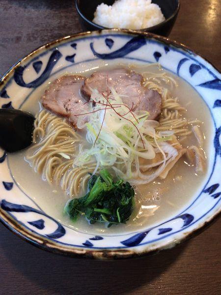 「鶏白湯ラーメン 黒龍麺」@そうげんラーメンの写真