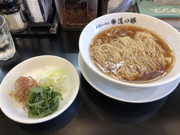 「煮干と昆布の冷しらーめん」@長濱らーめん 道の豚の写真
