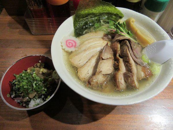 「トビウオの塩らーめん なめろう丼付き(890円)+肉」@らーめん・つけめん 八角の写真