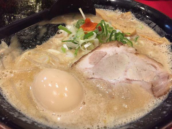 「白味噌味付け玉子ラーメン」@北海道らーめん奥原流 久楽 本店の写真