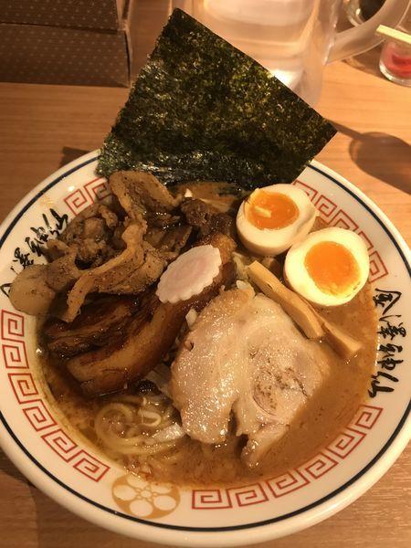 「3種の豚盛り味噌ラーメン 1300円」@金澤濃厚豚骨ラーメン 神仙の写真