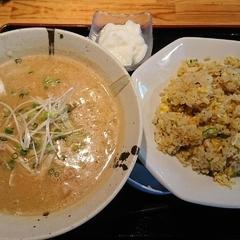 北海道らーめん奥原流 久楽 本川越店の写真