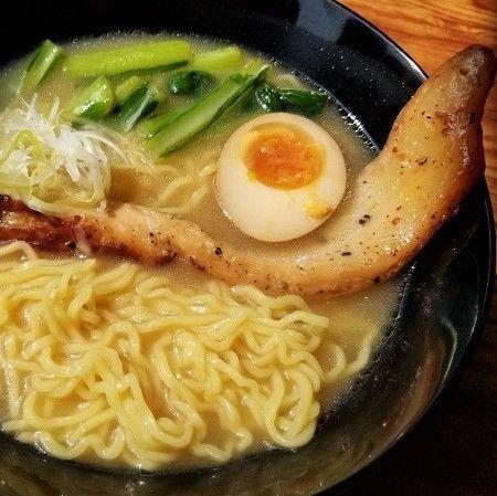 「ブラックペッパーポーク麺(とんこつ醤油) ¥1180」@China Voyagerの写真