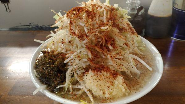 「ラーメン醤油+韓国唐辛子」@ラーメン凛 砂町店の写真