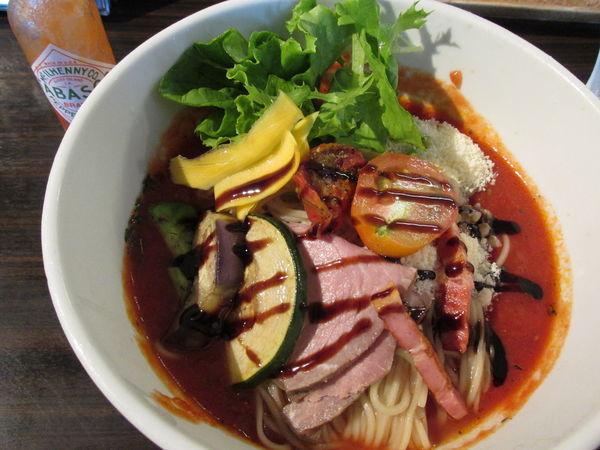 「完熟トマトの冷やしそば 「900円」」@麺や 豊の写真