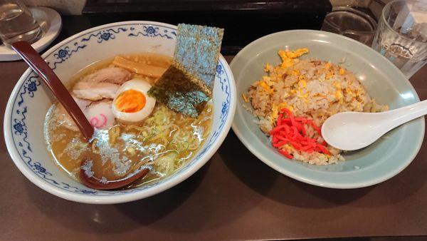 「ラーメン・チャーハンセット 900円」@ラーメン 天きの写真