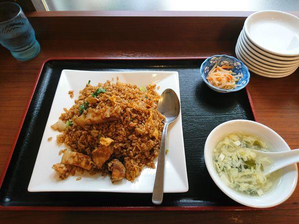 「角煮チャーハン」@餃子職人の店 青山餃子房 亀有店の写真