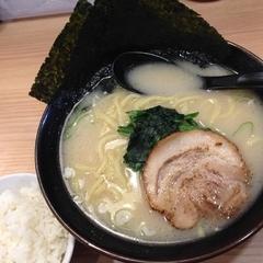 横浜家系ラーメン 春樹 曳舟店の写真